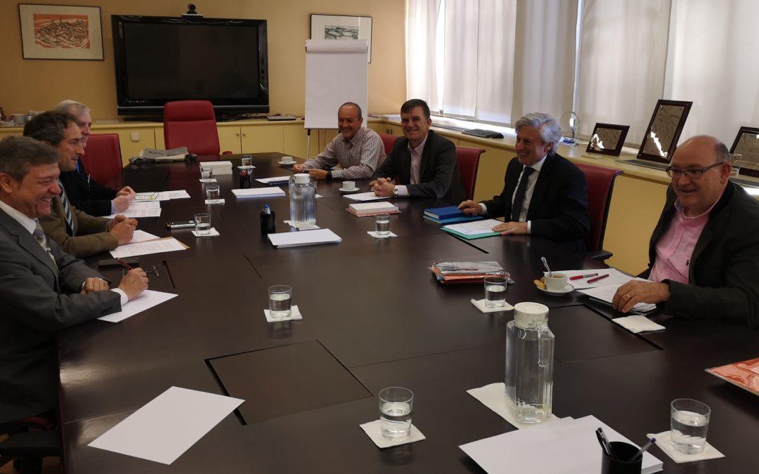El COIGT ha firmado un nuevo convenio con la Dirección General del Catastro que agilizará el trámite de los expedientes